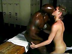 Black bodybuilder & white twink in locker room