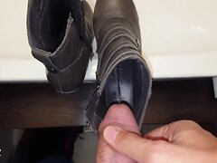 Office hottie's shoes pissed and cummed (she wears them!)